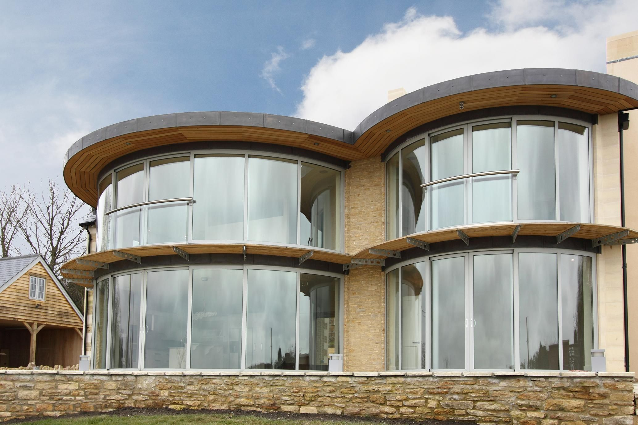 Curved Glass Curtain Wall Windows Sustainable Design Ideas