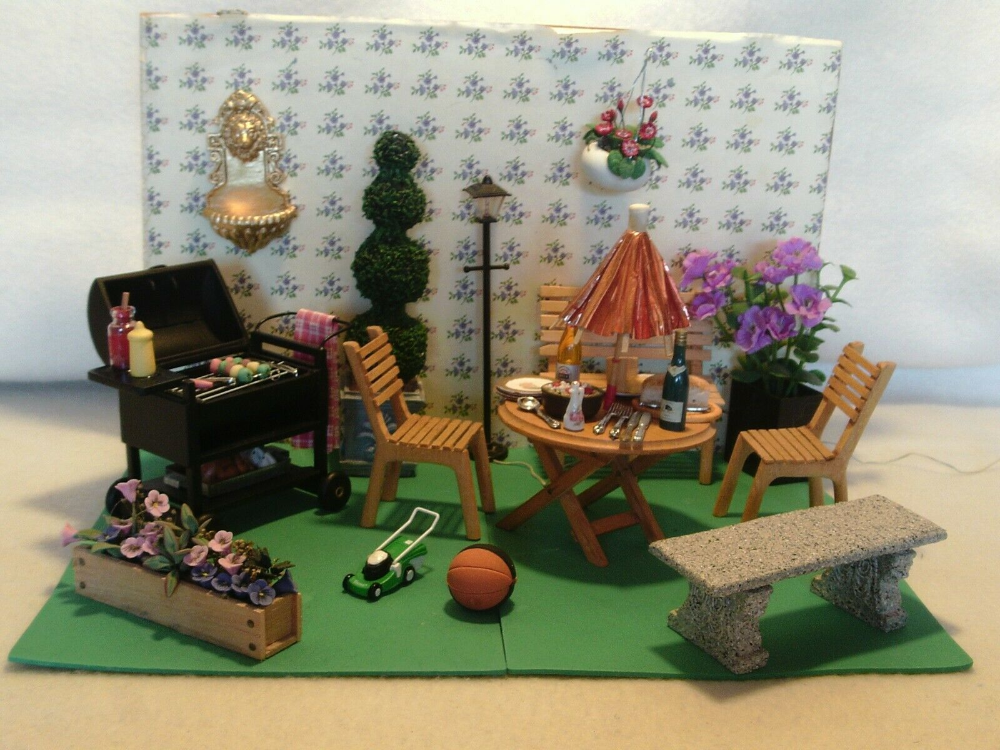 DOLLS HOUSE FURNITURE MIXED LOT GARDEN ITEMS & ACCESSORIES