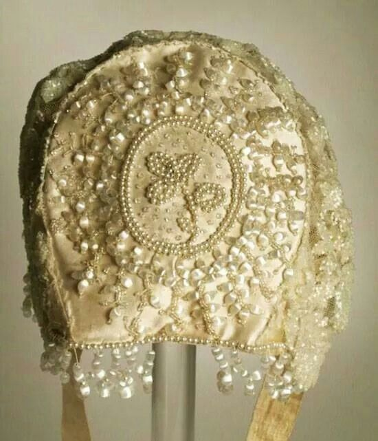 Womans bonnet back view USA ..1880