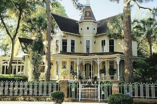 Perfect Old Victorian Homes Victorian Homes Victorian Style Homes