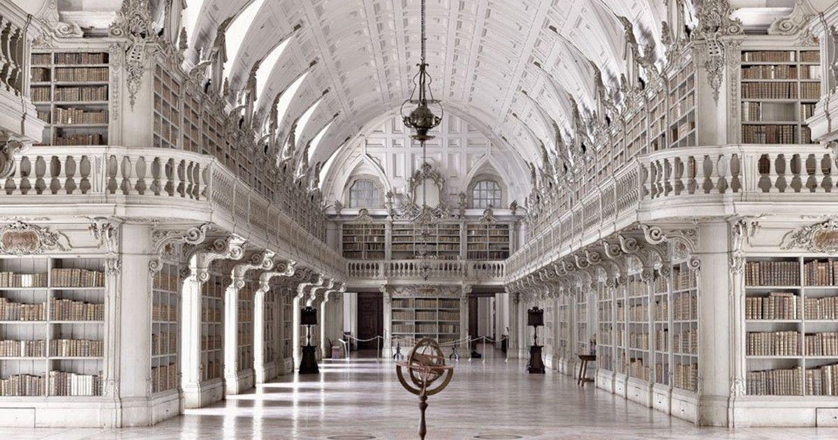 Un Viaje Al Interior De La Sabiduría Bibliotecas Viejas Interiores De Castillo Arquitectura Antigua