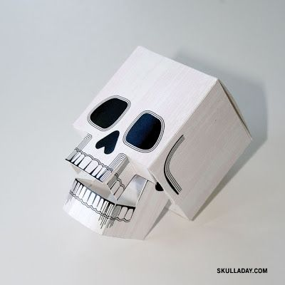 Paper-craft Skull (with Articulated Jaw) free PRINTABLE  Dia de los Muertos   print and cut