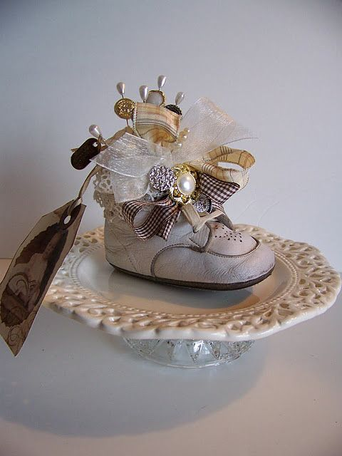 Old Baby Shoes Keepsake Ideas You Or I Can Do It Pinterest