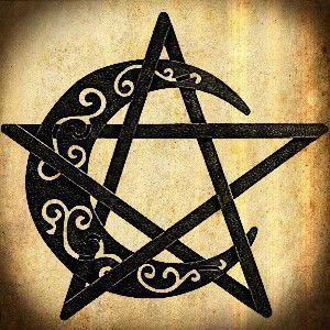 Tatouage De Wicca · étoile et lune sur le genou  symbole d\u0027insoumission !!  Runique, Celtique