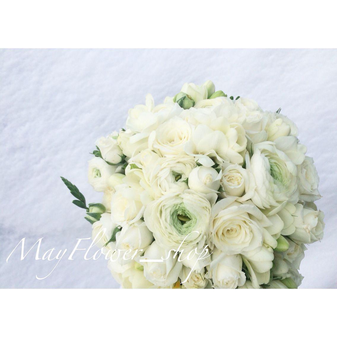 Свадебные букеты букет невесты ранункулюс фрезия цветов
