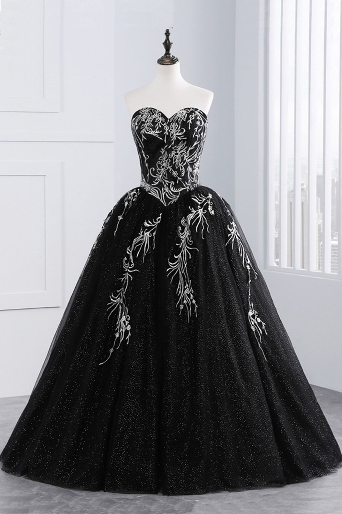 Princess Black Tulle Long Prom Gown Strapless Long A Line Evening Dress Backless Prom Dresses Black Quinceanera Dresses Black Ball Gown [ 1800 x 1200 Pixel ]