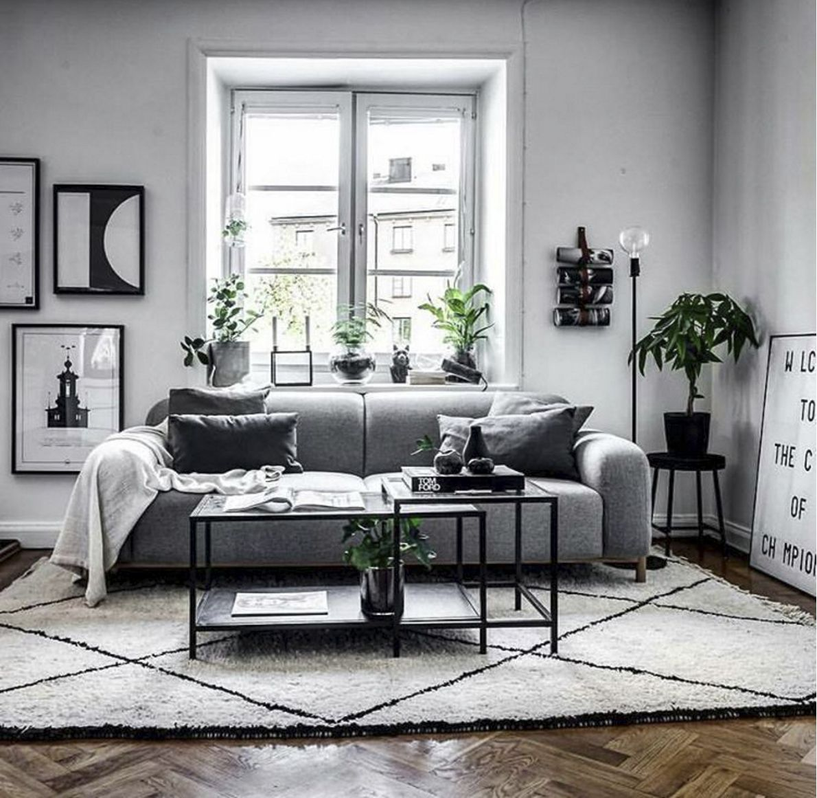 M A R V I N Sofakompagniet Sofa Marvin Boligindretning Danskdesign Danishdesi Monochrome Living Room Black Living Room Decor Black And White Living Room