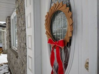Photo of Christmas Wreath Made From Scrap Wood