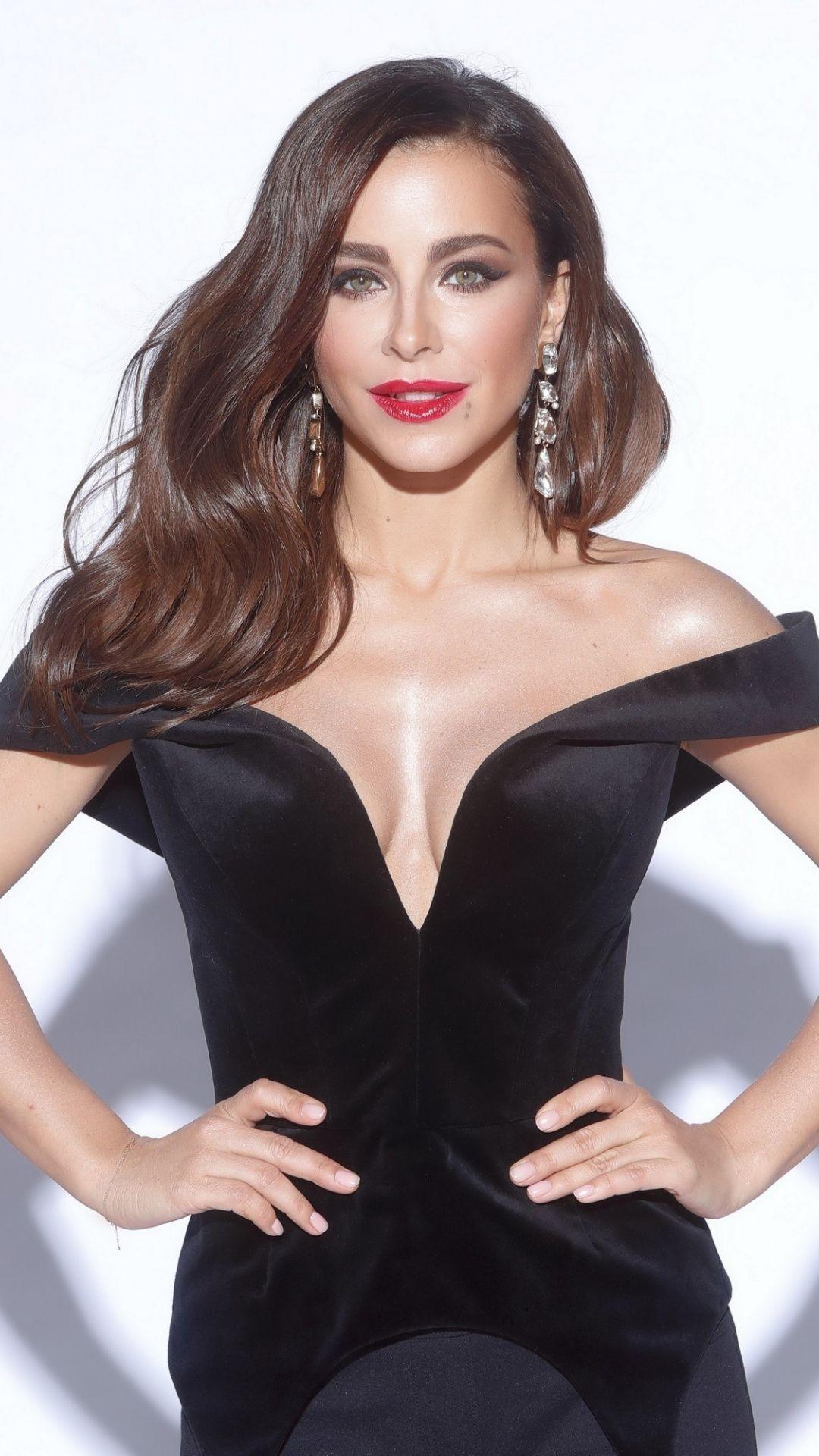 1080x1920 Red Lips Ani Lorak Gorgeous Wallpaper Fashion Celebrities Female Short Prom Dress