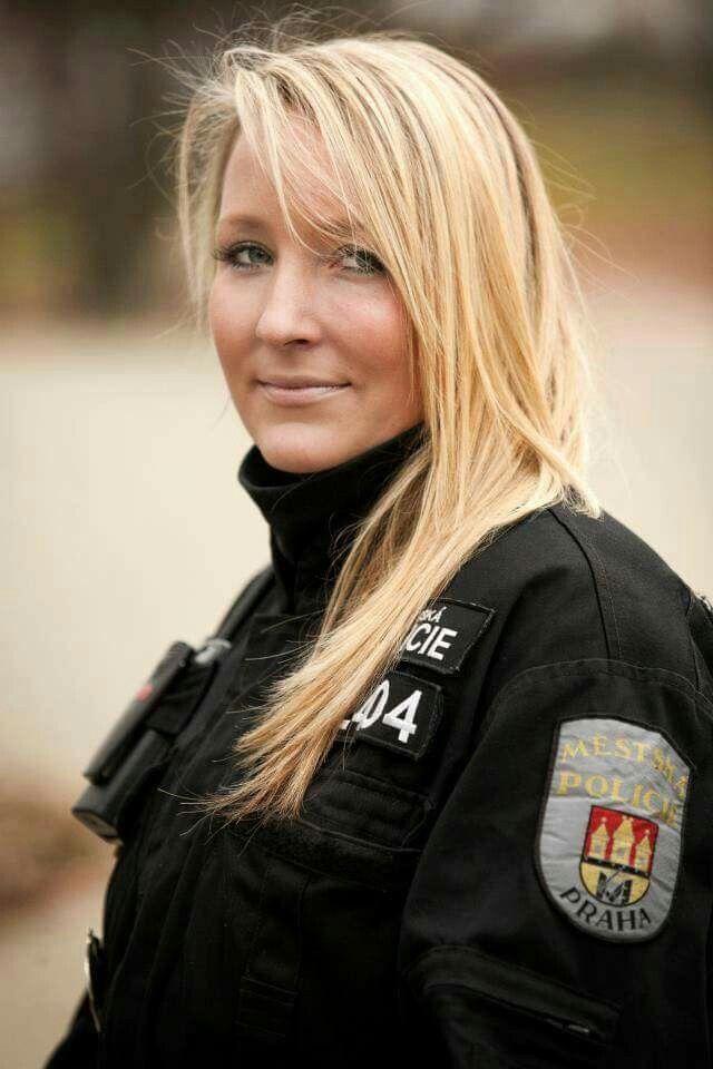 Épinglé par Thierry Rolland sur Police women
