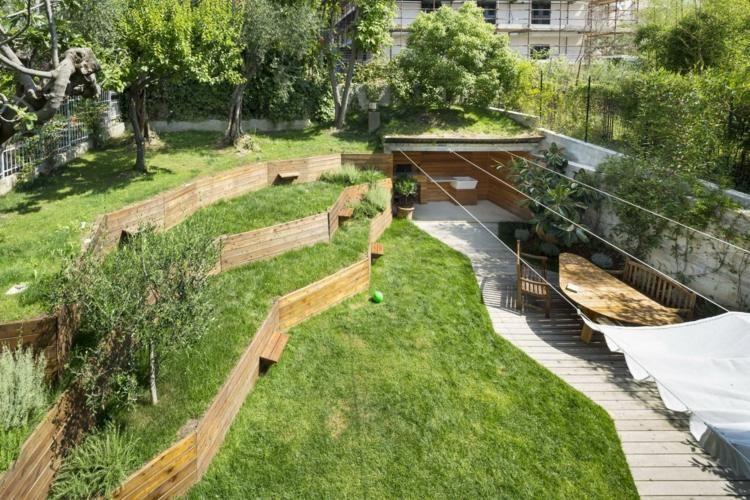Murs de soutènement en bois - aménagez un jardin en pente !