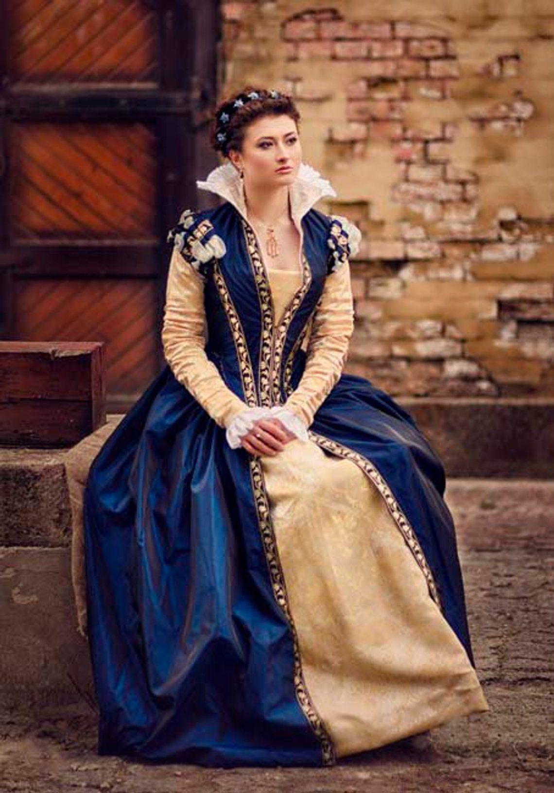 Dark Blue Taffeta Renaissance Dress, 16th Century Italy