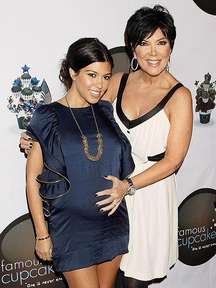 Now It's Official: Kourtney Kardashian Has That Pregnancy Glow!