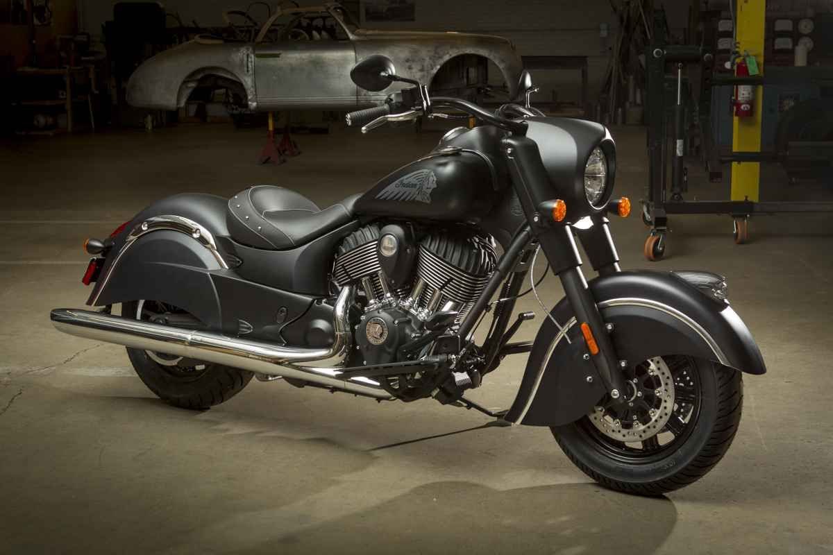 Meet indian motorcycles first model of 2016 indian chief dark - 2016 Indian Motorcycles Chief Dark Horse First Ride Review