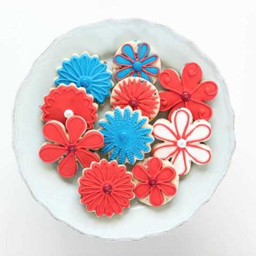 Pink Wings: Patriotic Flower Cookies