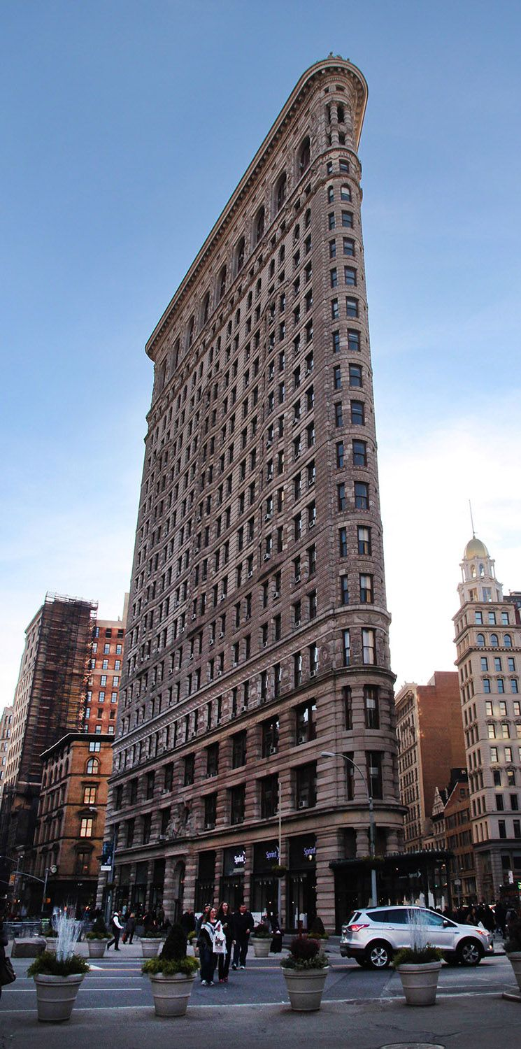 flatiron building new york city find travel tips for nyc at a globe well travelled cities. Black Bedroom Furniture Sets. Home Design Ideas