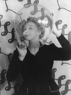 Argentine surrealist painter Leonor Fini, 1936 - Carl Van Vechten