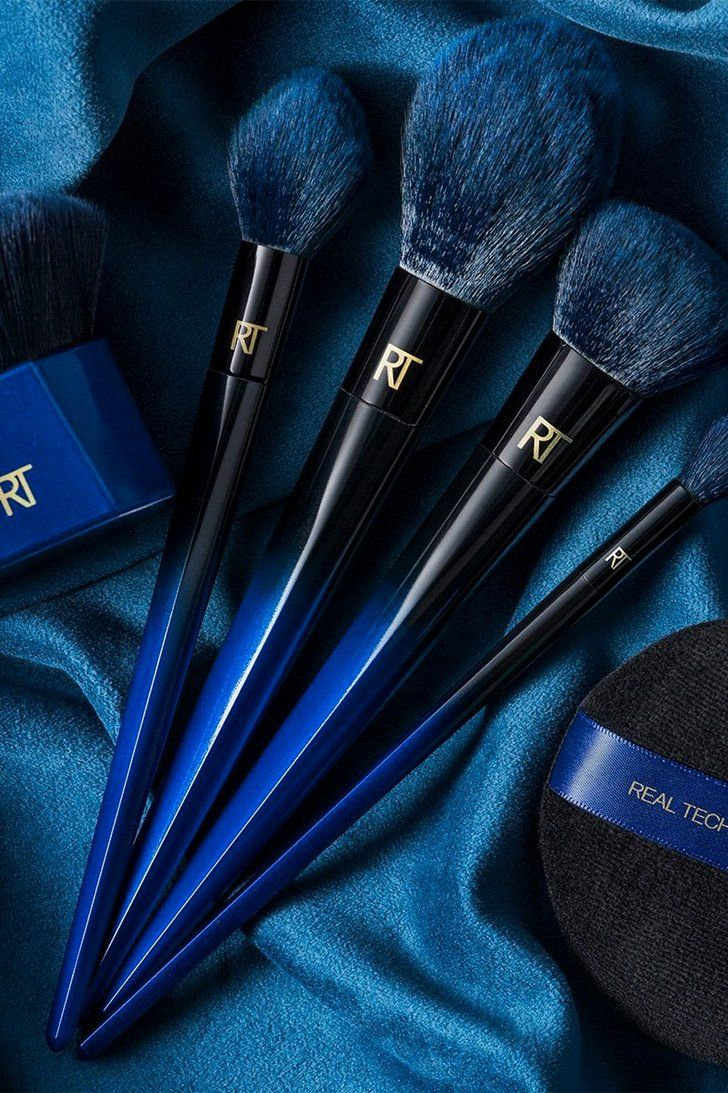 Hide Your Purses, Real Techniques Has a New Blue Brush