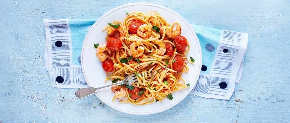21 Healthy Pasta Recipes For Low Calorie Pasta Prawn linguine recipe with 'nduja