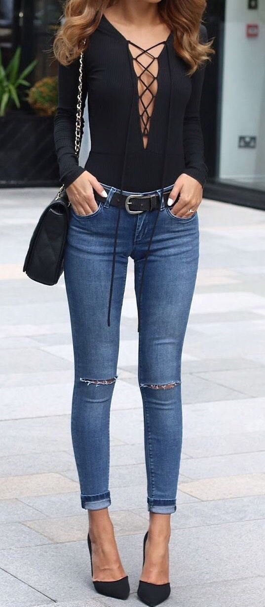 fcbc6ddf309c3c Black body on shirt + skinny jeans + black pumps | Outfits in 2019 ...