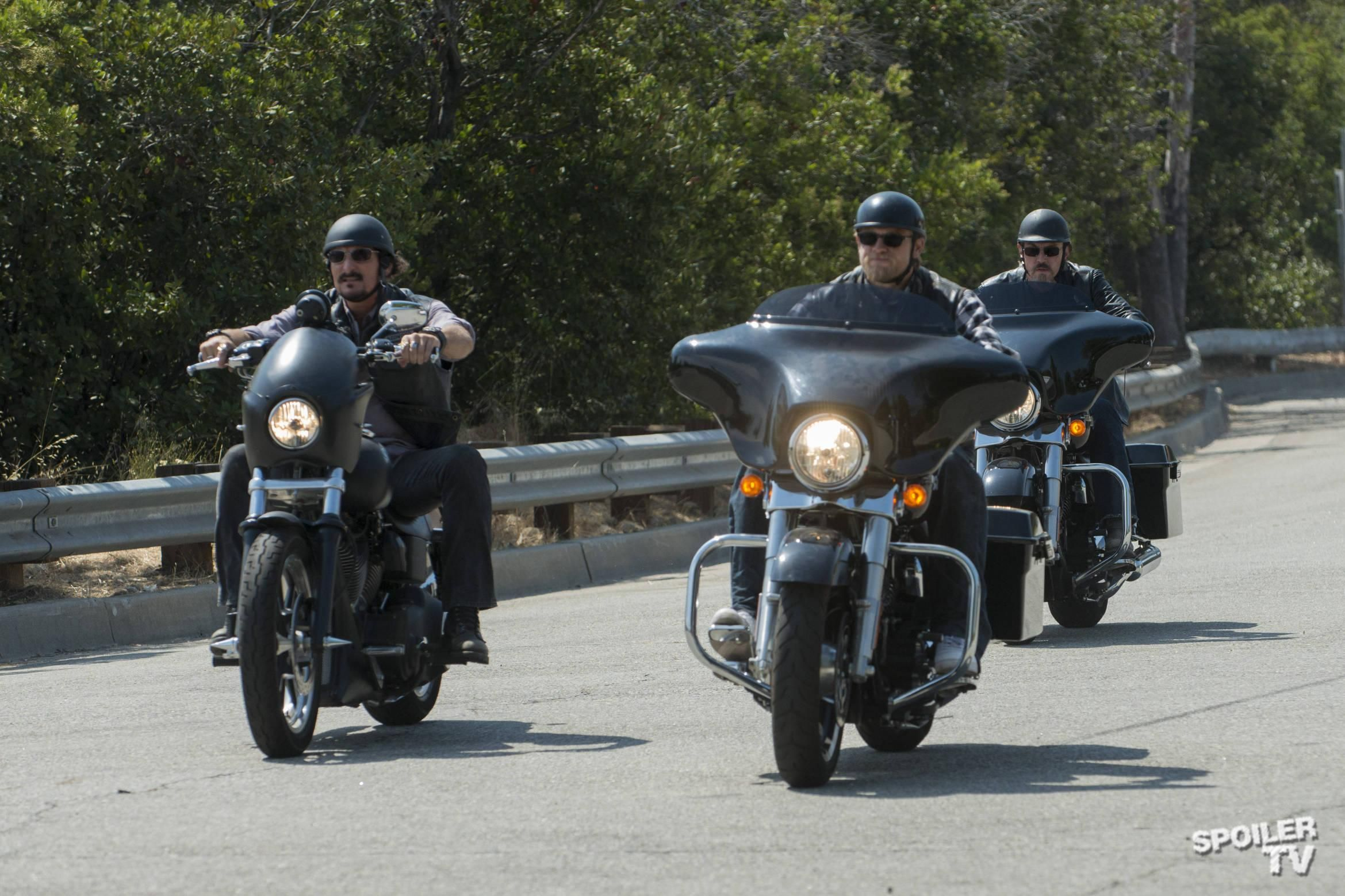 Episode 5 07 Toad S Wild Ride Promo Photos Sons Of Anarchy Anarchy Charlie Hunnam