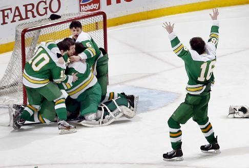 Edina Wins State 2a Boys Hockey Title Startribune Com Boys Hockey Boys Sports