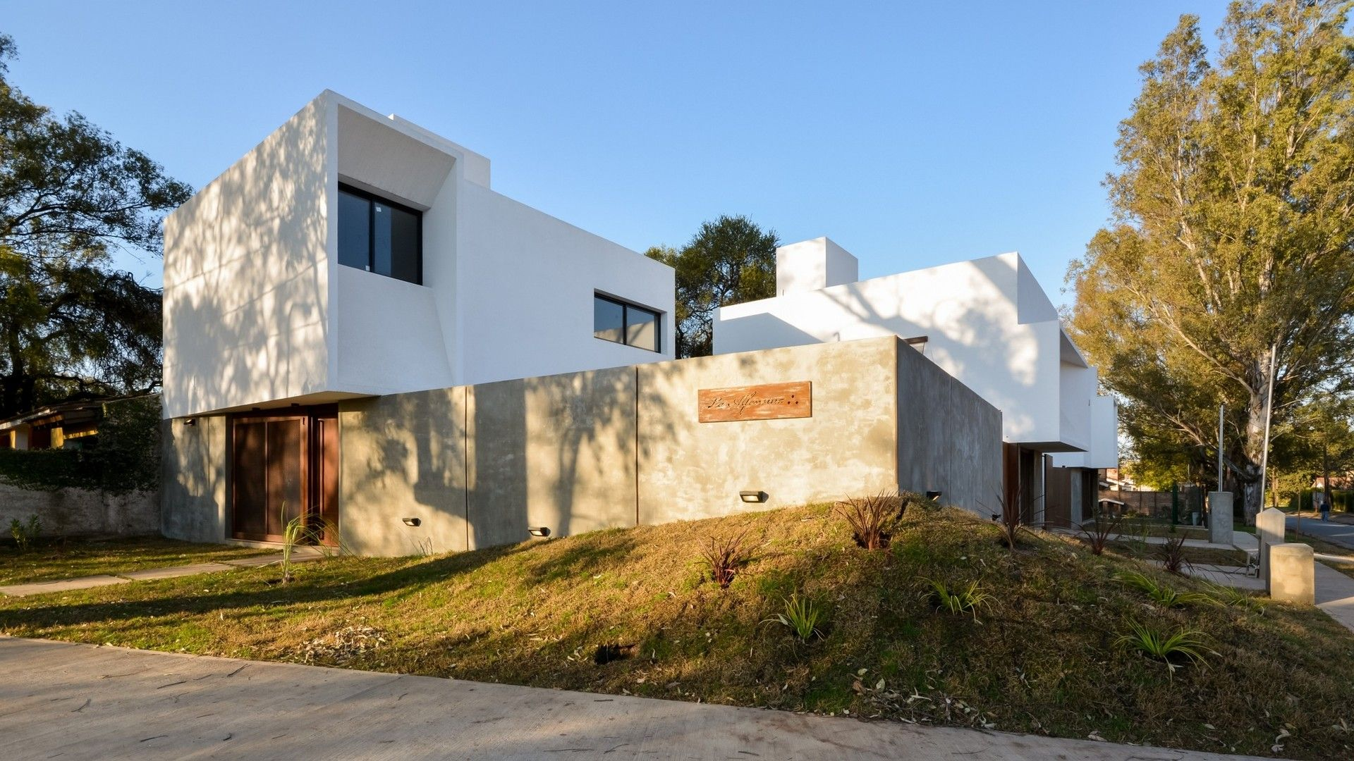 Arq Gonzalo Viramonte | EXTERIOR_golden Hour | Pinterest | Golden Hour,  Single Family And House