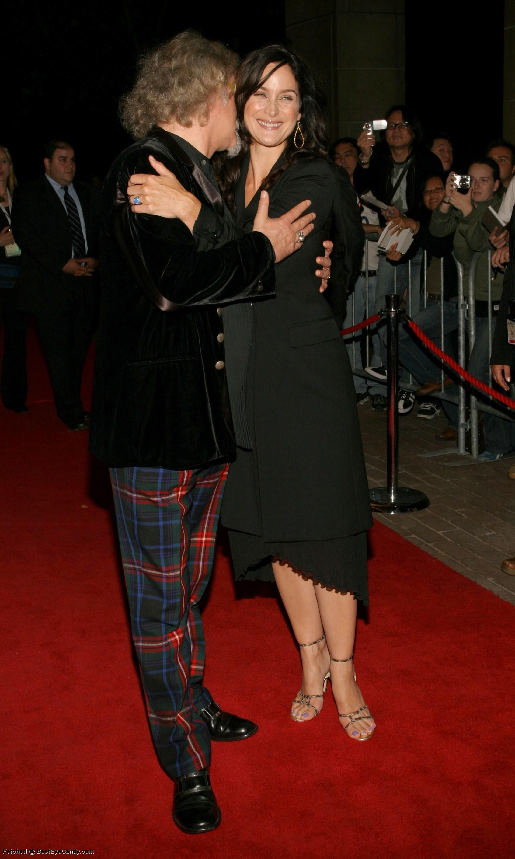 Feet carrie-anne moss Hollywood In