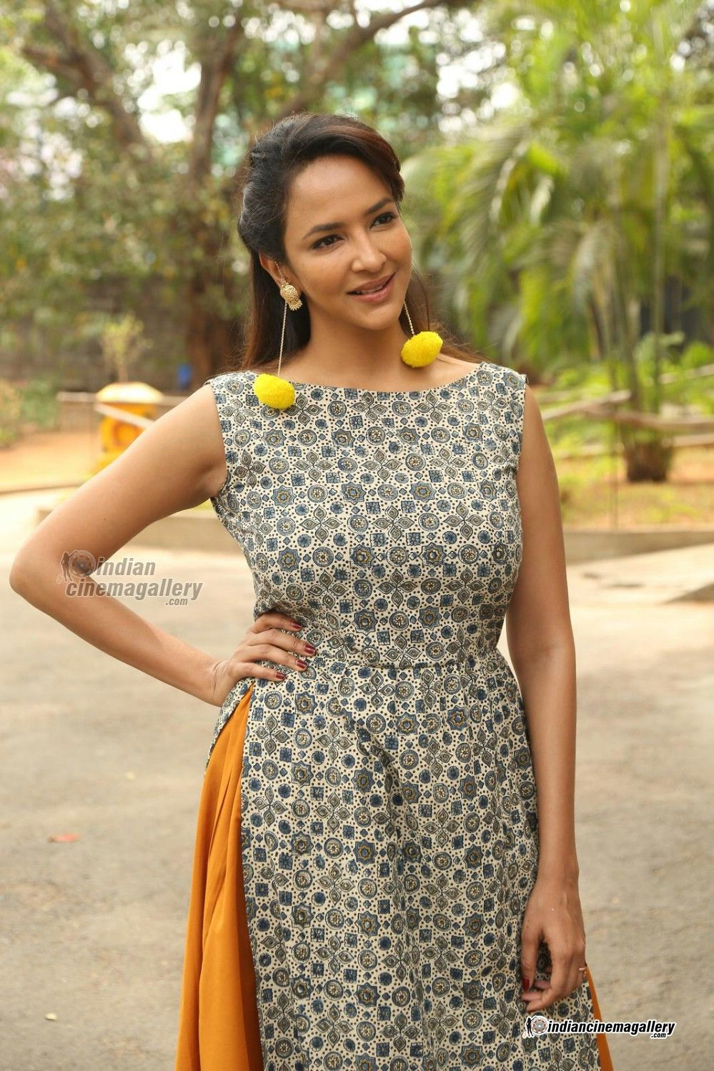 Lakshmi Manchu Nude Photos 33