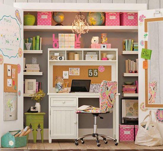 Un bureau dans le placard Bureaus Armoires and Room