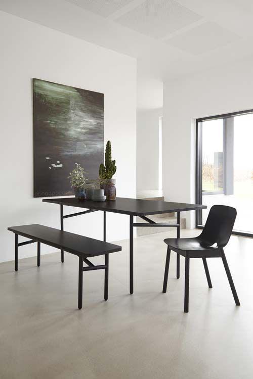 Esstisch DIAGONAL mit Sitzbank von WOUD Design