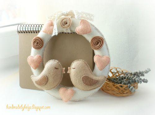 Handmade by Helga: Felt wreath to Valentine's Day