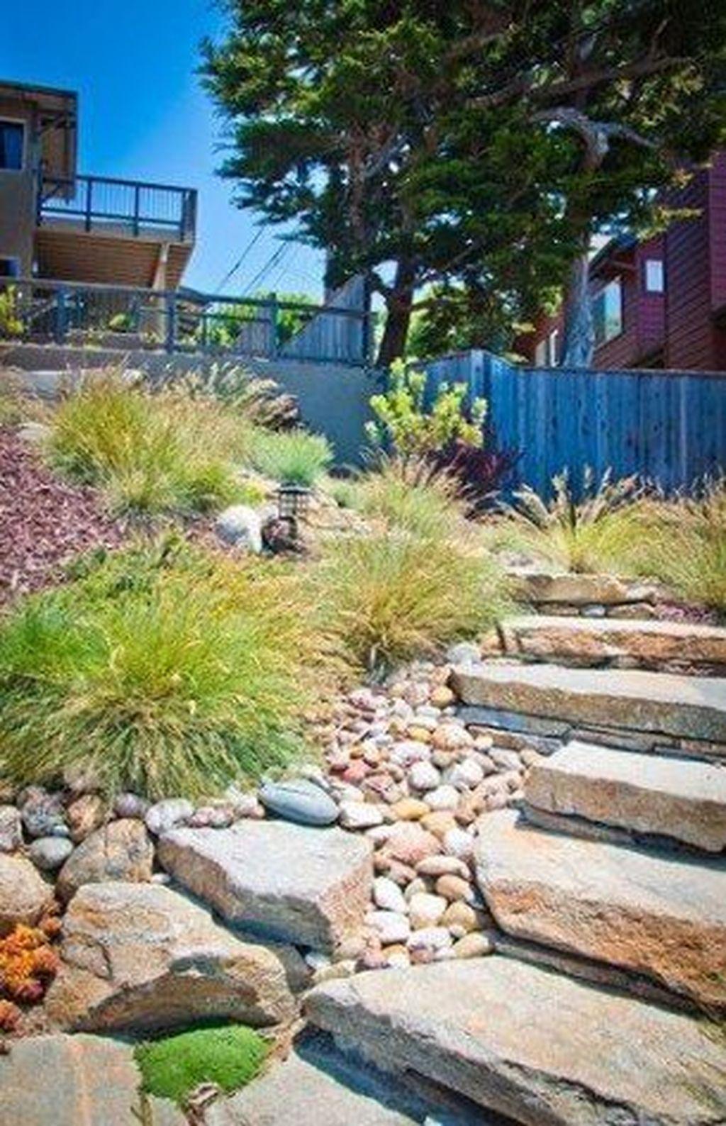 48 Outstanding River Rocks Design Ideas For Front Yard Landscapes #riverrocklandscaping 48 Outstanding River Rocks Design Ideas For Front Yard Landscapes #riverrocklandscaping