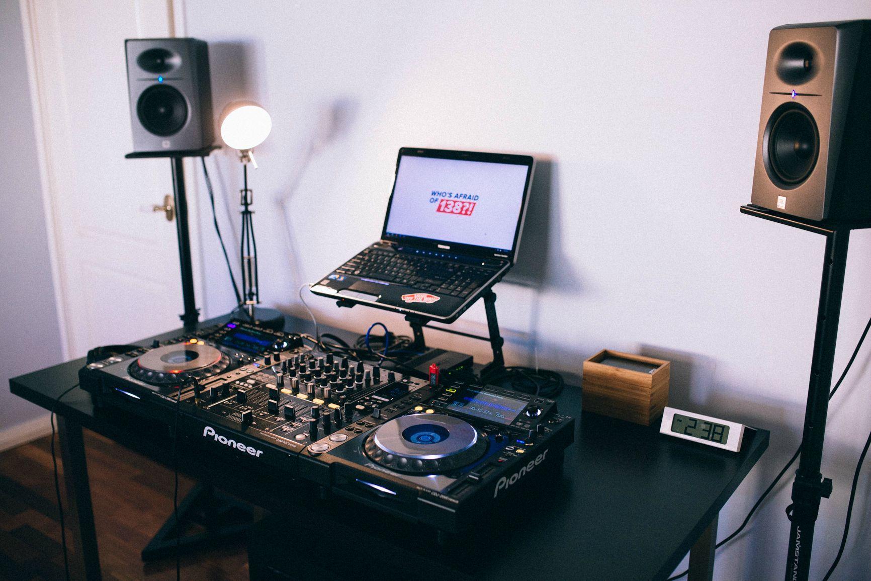 pin by owen mcfadden on djing djing equipment dj equipment dj equipment for sale dj music. Black Bedroom Furniture Sets. Home Design Ideas