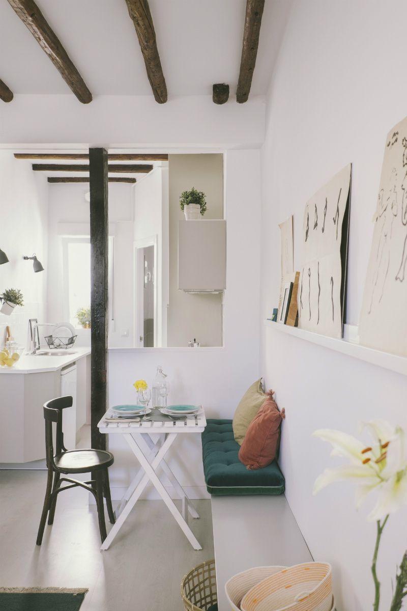 Blanco Refrescante En Una Pequeña Buhardilla Muy Mediterránea Decorar Tu Casa Es Facilisimo