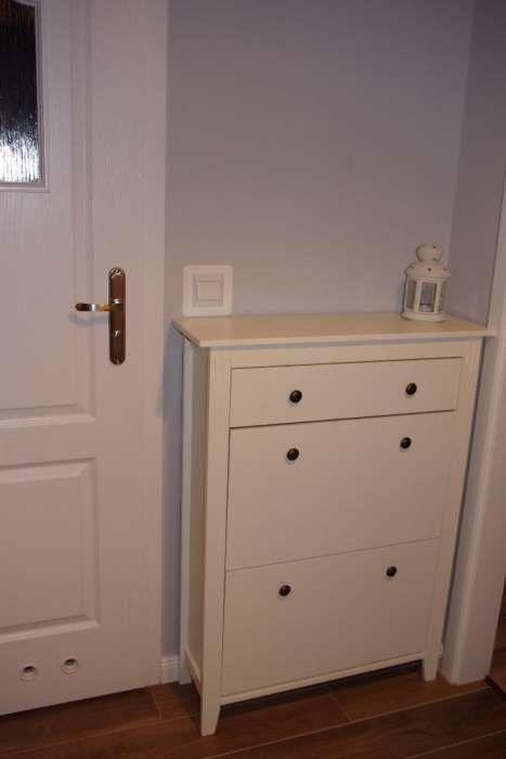 250 Zl Elegancka Szafka Na Buty Z Lakierowanego Drewna I Plyty Mdf W Kolorze Bialym 2 Polki 1 Szuflada Sz 80 X W 108 X G 25 Cm Home Decor Furniture Decor