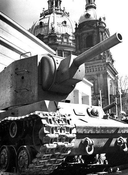 Captured KV-2 at the exhibition captured vehicles near Berlin Cathedral.1941-1942