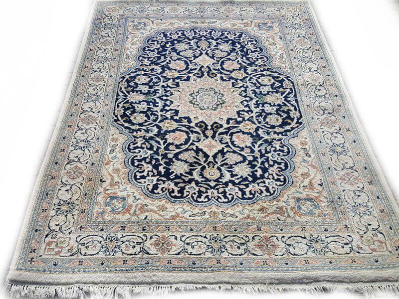 Perzisch Tapijt Blauw : Vintage tapijten collectie in 2019 perzisch tapijt kleden rugs