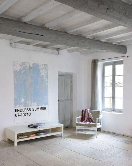 Repeindre un plafond avec poutres en bois apparentes living salon v randa fen tres - Repeindre un salon ...