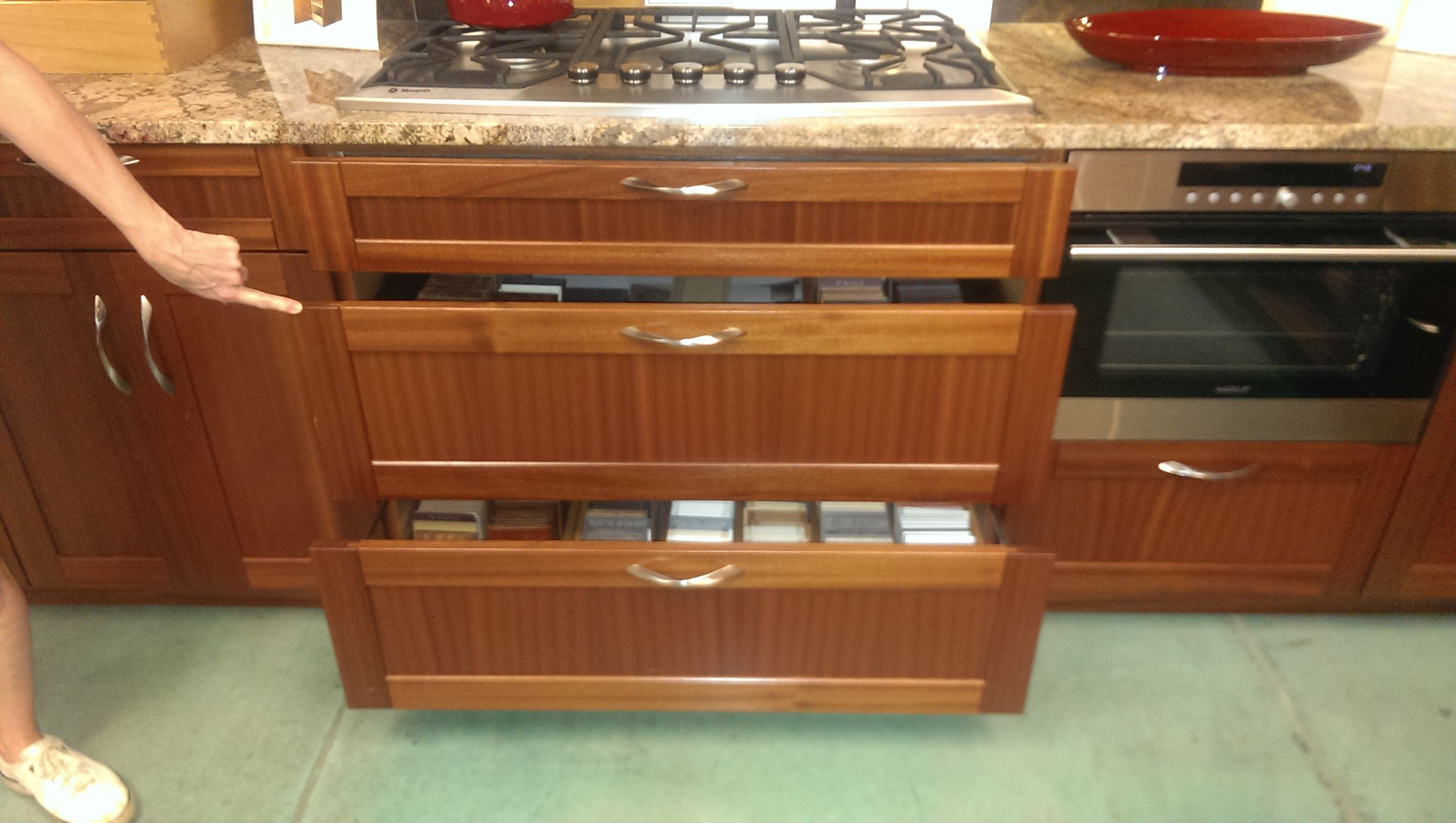 Sapele Cabinets For Kitchen W Natural Finish Hawaii House Hawaii Homes House Kitchen Cabinets