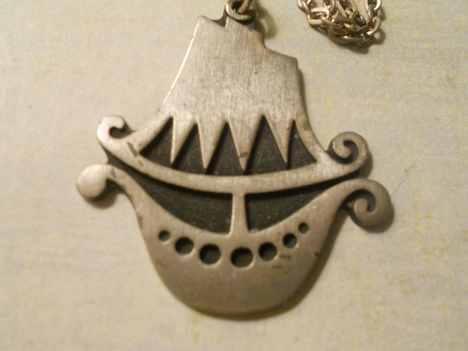 R tennesmed clipper ship pendant necklace beautiful and rare item