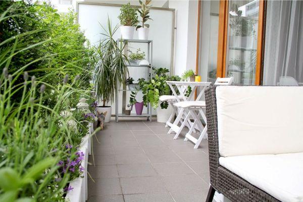 Wunderschone Balkongestaltung Ideen Mit Pflanzen Balkonmobel