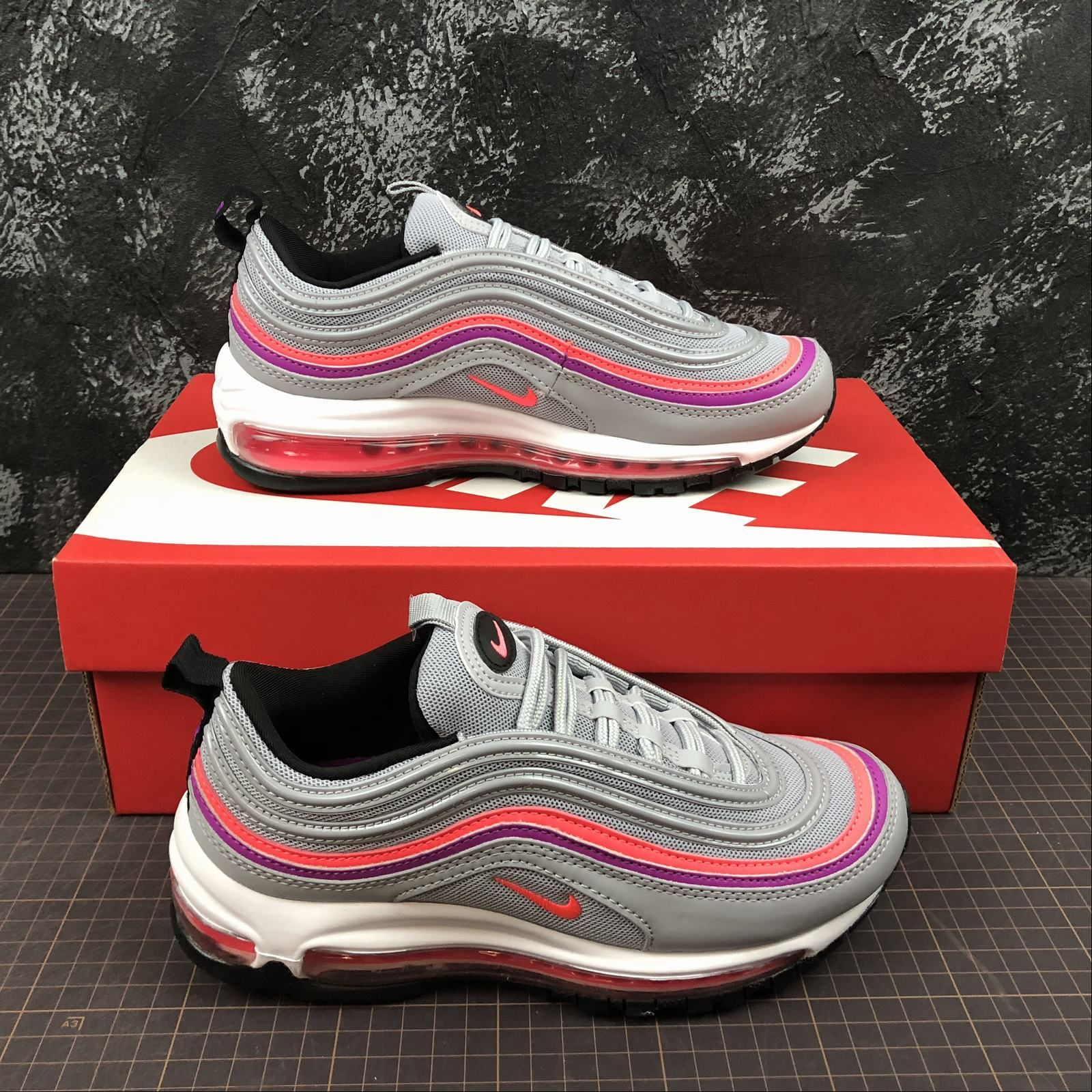 2a4d248e3bffb Nike Air Max 97 Wolf Grey Solar Red Gris Loup Rouge Solaire Made in Vietnam  921733