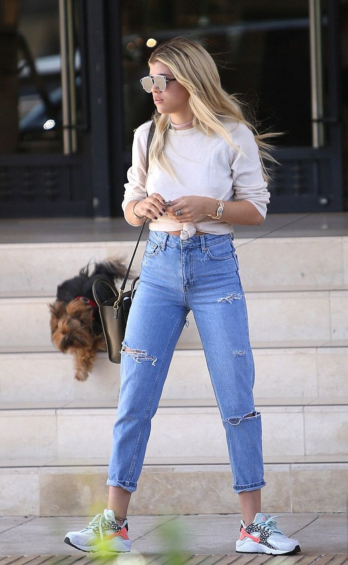 182c4397306af Sofia Richie in High Waisted Ripped Jeans - Denimology