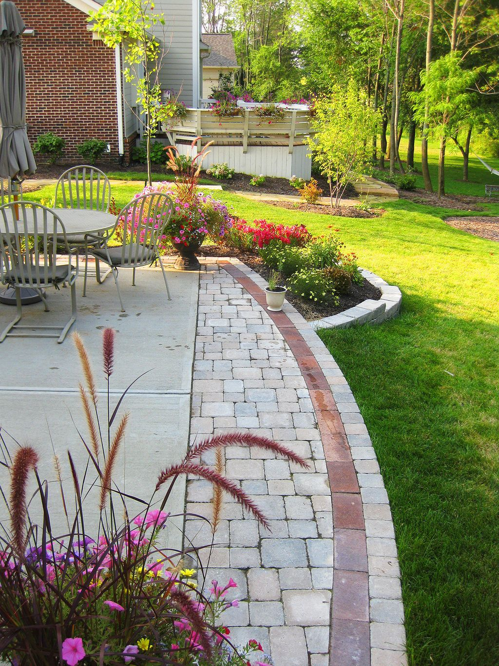 Nice 37 Cool Paver Patio Pattern Ideas For Your Garden Https Pinarchitecture Com 37 Cool Paver Pat Patio Pavers Design Patio Landscaping Patio Patterns Ideas