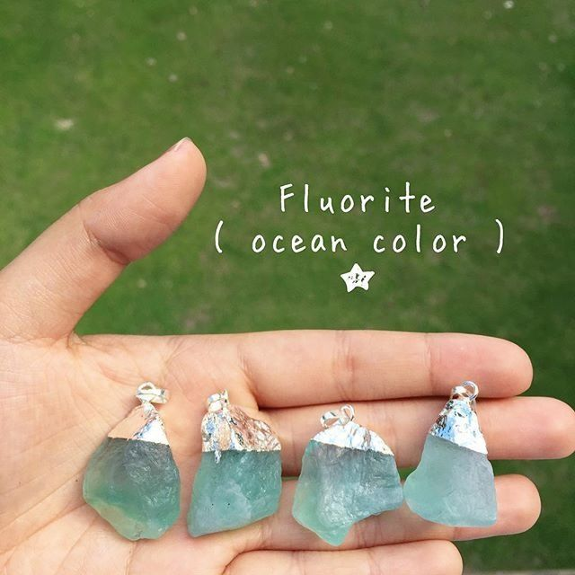 Natural Ocean Fluorite Healing Lucky Crystal Point Gemstone Alloy Metal Fashion Pendant Jewelry