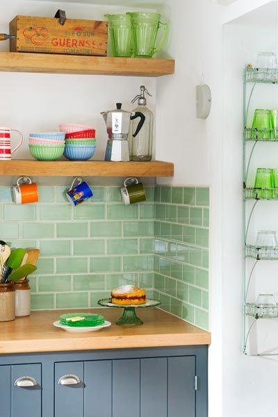 Color Of The Month May 2014 Hemlock Cocina Verde Azulejo De Cocina Diseno De Cocina
