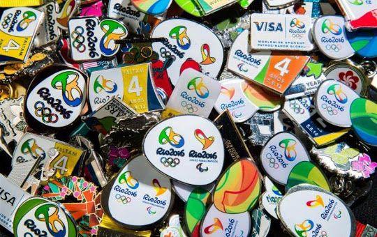 Fanáticos por pins chegam ao Parque Olímpico para trocar suas coleções rio2016.com/noticias/fanaticos-por-pins-chegam-ao-parque-olimpico-para-trocar-suas-colecoes olimpíadas | globoesporte.com globoesporte.globo.com/olimpiadas/ Veja aqui tudo sobre Olimpíadas no GloboEsporte.com. olimpíadas 2016 | tabela de futebol masculino | globoesporte.com globoesporte.globo.com/olimpiadas/futebol/masculino.html Confira a tabela do torneio de futebol masculino das Olimpíadas 2016 Olimpíadas - Pesquisa…
