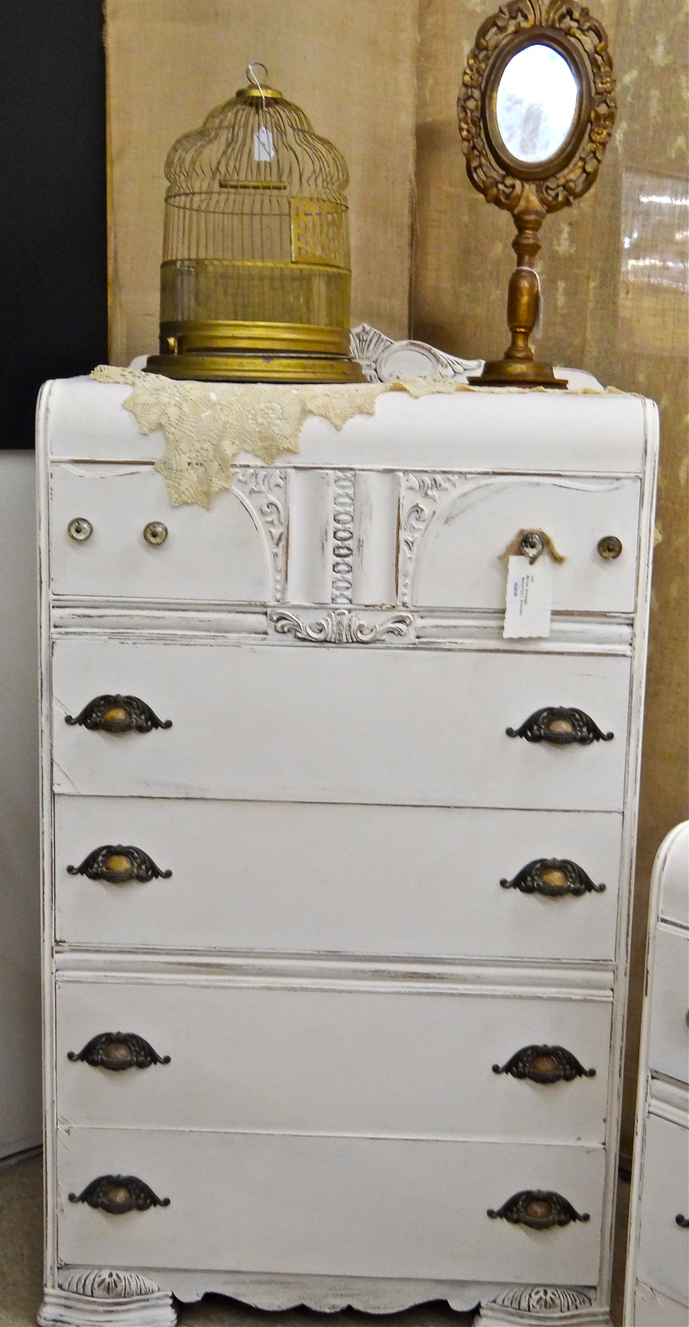 Chalk Painted Waterfall Dresser Wildwood Antique Mall Melbourne Fl Paint Furniture Funky