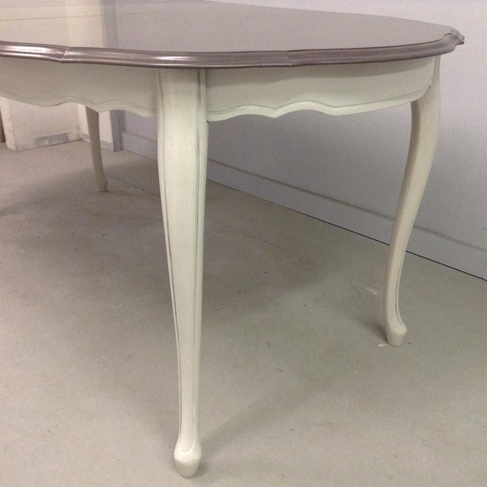 Queen anne dining table makeover with superior paint co antique queen anne dining table makeover with superior paint co antique white chalk furniture paint geotapseo Choice Image